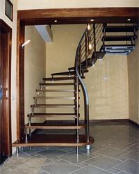 Лестница на больцах для прямых и радиусных участков