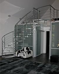 Комбинированный вариант лестницы. Сочетание любых типов